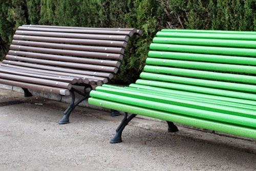 bancos de maderas sintéticas para mobiliario urbano